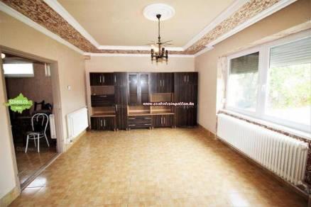 Eladó 3 szobás családi ház Nagykálló