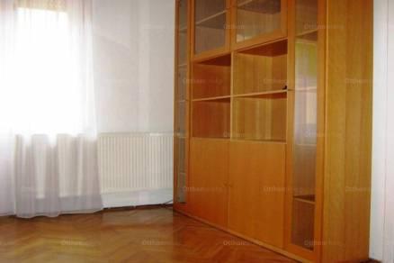 Kiadó lakás Pécs az Alkotmány utcában, 3 szobás