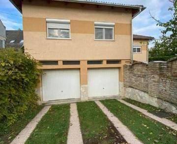 Eladó családi ház Győr, 5 szobás