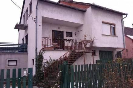 Eladó családi ház Győrzámoly, 5 szobás