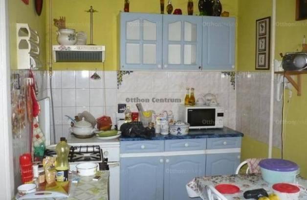 Mikepércs eladó családi ház