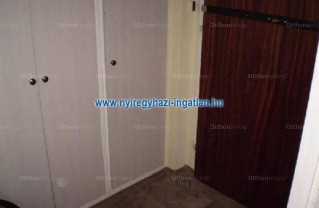 Nyíregyházai lakás eladó, 58 négyzetméteres, 1+2 szobás