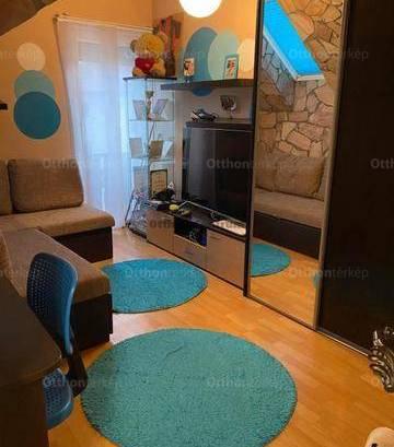 Eladó ikerház, Budapest, Rákoshegyen, 76 négyzetméteres