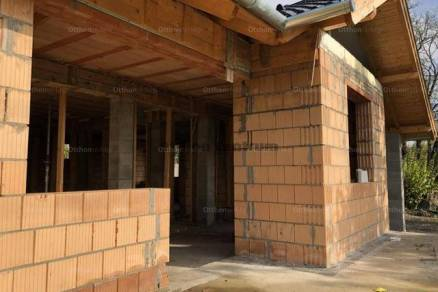 Pécel eladó új építésű családi ház