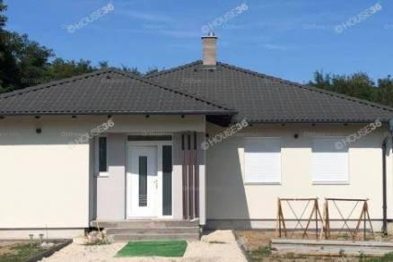 Eladó 4 szobás családi ház Kiskunfélegyháza, új építésű