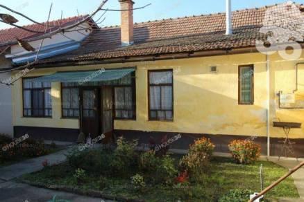 Kiskunfélegyházai eladó házrész, 2 szobás, 62 négyzetméteres