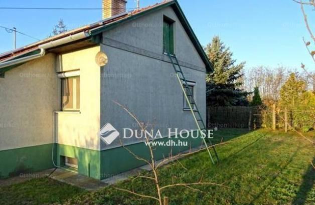 Kecskeméti eladó családi ház, 1+1 szobás, az Úrihegy tanyán