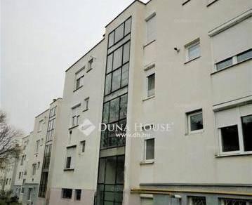Komlói eladó lakás, 2 szobás