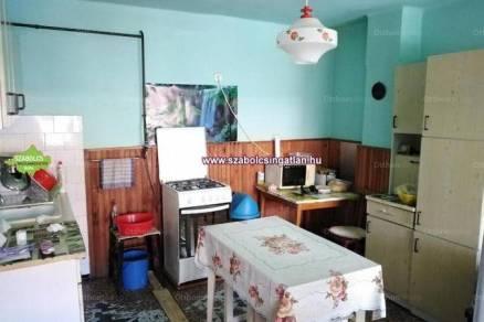 Nagyhalász eladó családi ház