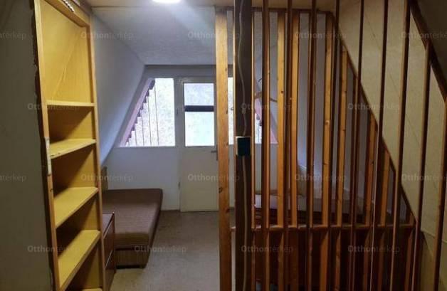 Eladó, Dunaújváros, 2 szobás