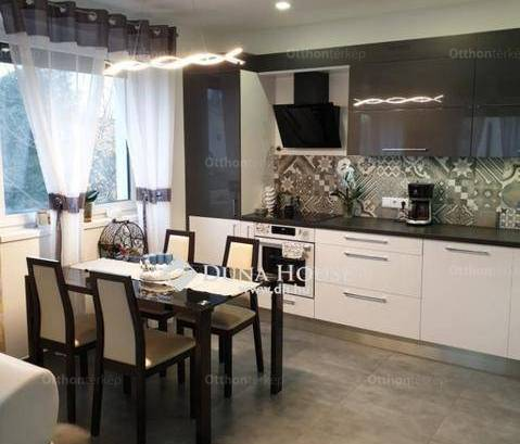 Eladó lakás Debrecen, Lóverseny utca, 1+2 szobás