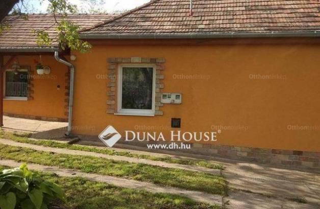 Felcsút eladó családi ház a Rákóczi utcában