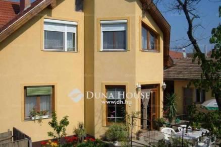 Eladó családi ház Hajdúszoboszló, Arany János utca, 8+2 szobás