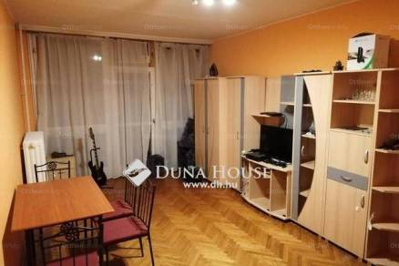 Eladó lakás Siklós, 2+1 szobás