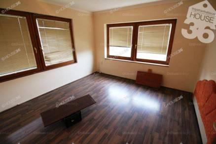 Lajosmizsei családi ház eladó, 170 négyzetméteres