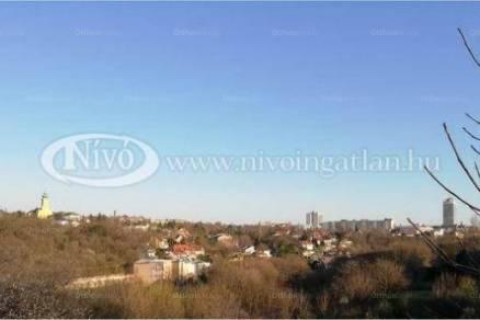 Veszprémi telek eladó, 705 négyzetméteres