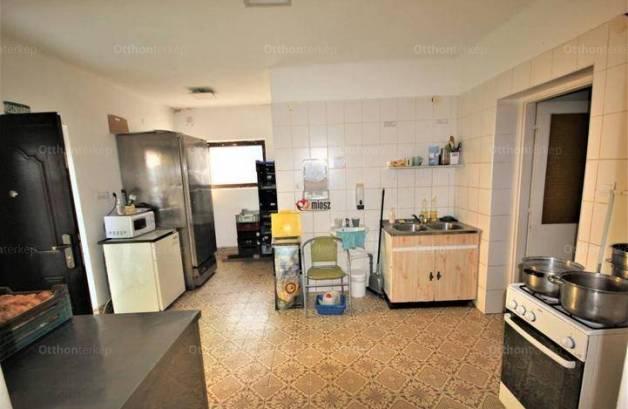 Vác 4+1 szobás családi ház eladó