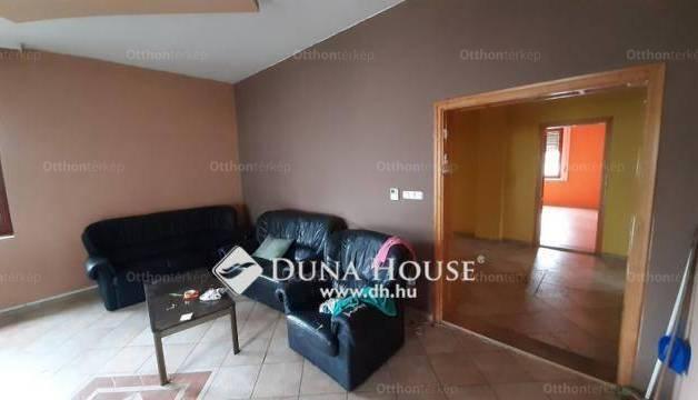 Győr eladó családi ház a Homoksori úton