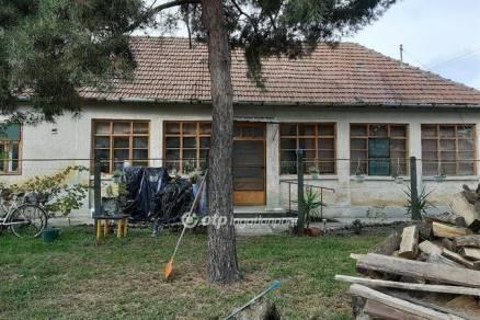 Eladó 2 szobás családi ház Gyula