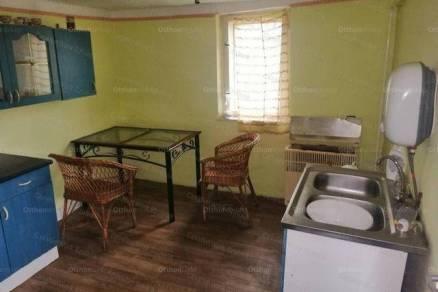 Tiszakürti családi ház eladó, 61 négyzetméteres, 2+1 szobás