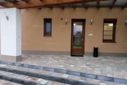 Új Építésű kiadó családi ház Tiszaújváros, 8 szobás