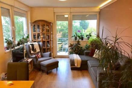 Egeri kiadó lakás, 2+1 szobás, 60 négyzetméteres