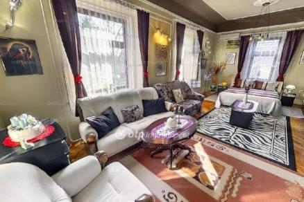 Törökszentmiklósi családi ház eladó, 180 négyzetméteres