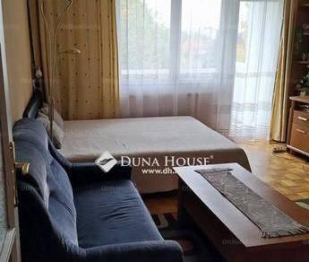 Eladó lakás Dunaújváros, 1+2 szobás