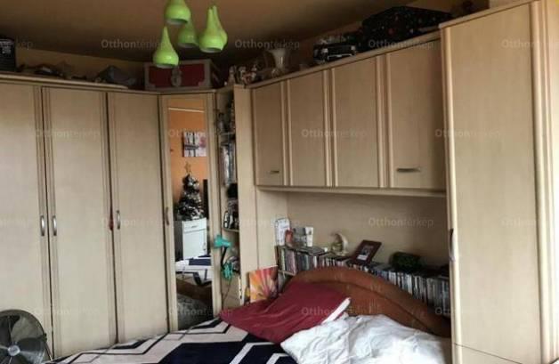 Tatabányai lakás eladó a Sárberki lakótelepen, 49 négyzetméteres
