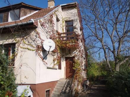Családi ház eladó Göd - Zrínyi Miklós utca, 121 négyzetméteres
