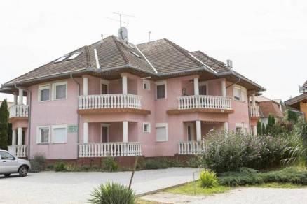Kehidakustányi eladó lakás, 1+1 szobás, 45 négyzetméteres