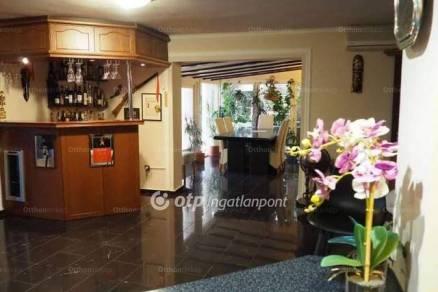 Győrzámolyi eladó családi ház, 3+1 szobás, 280 négyzetméteres