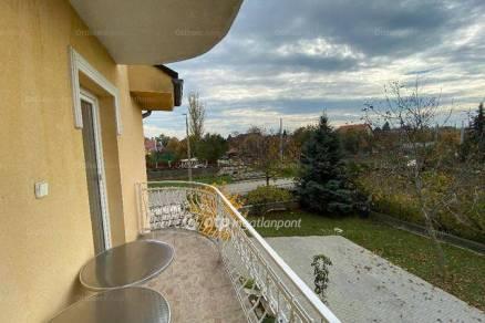 Balatonfüredi családi ház eladó, 415 négyzetméteres