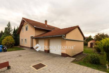 Családi ház eladó Kozármisleny, 165 négyzetméteres