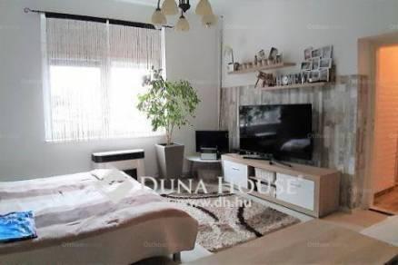 Eladó családi ház Mohács, 2+1 szobás