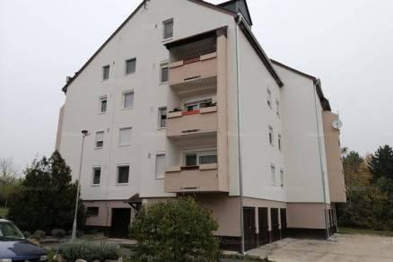 Veszprémi lakás eladó, 65 négyzetméteres, 1+3 szobás