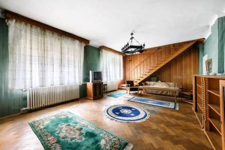 Budapest családi ház eladó, 4+2 szobás