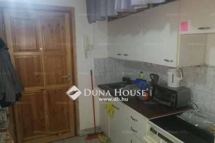 Eladó lakás Veszprém, 1 szobás
