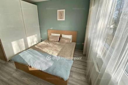 Balatonföldvári eladó nyaraló, 2 szobás, új építésű