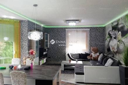 Maglódi családi ház eladó az Ecseri utcában, 93 négyzetméteres
