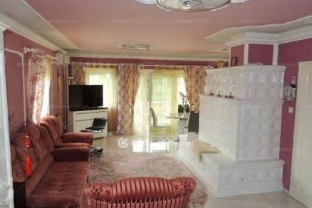 Eladó családi ház, Hévíz, 8+2 szobás