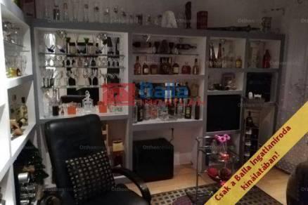 Eladó lakás Komló, Pécsi út, 3 szobás