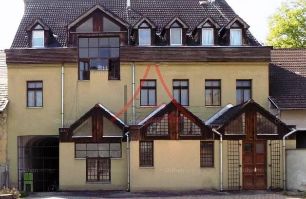 Kaposvár családi ház eladó, 8+4 szobás