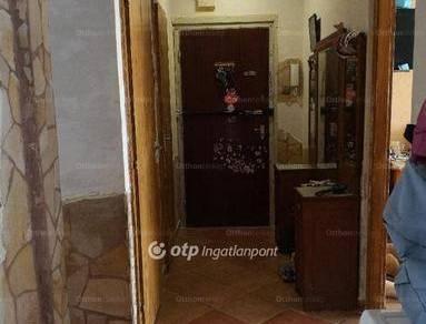 Miskolci eladó lakás, 3 szobás, a Gesztenyés utcában
