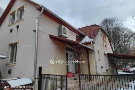 Eladó családi ház Miskolc, 4 szobás