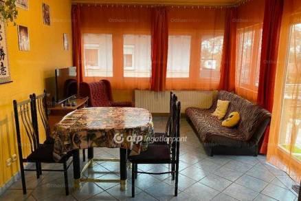 Balatonboglár lakás eladó, 3 szobás