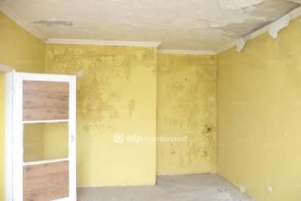 Sajószentpéteri eladó lakás, 1+2 szobás