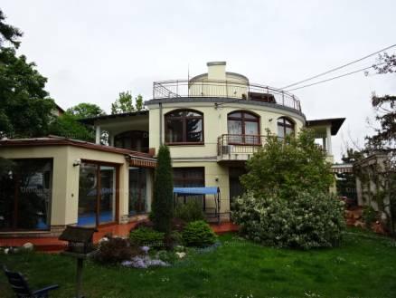 Budapesti családi ház eladó, Kissvábhegyen, Kissvábhegyi út, 8 szobás