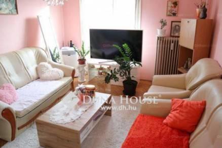 Lakás eladó Pécs, 47 négyzetméteres