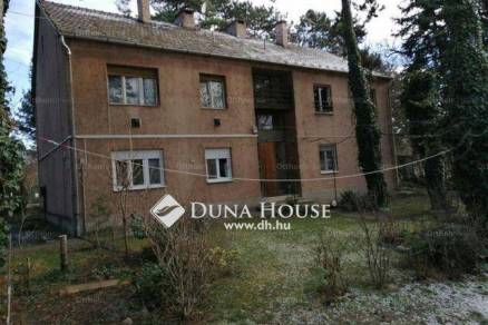 Dunakeszi eladó lakás a Kápolna utcában